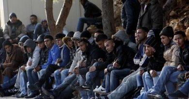 Потокът от нелегални мигранти към Европа намаля