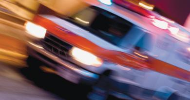 ambulance-543534_2