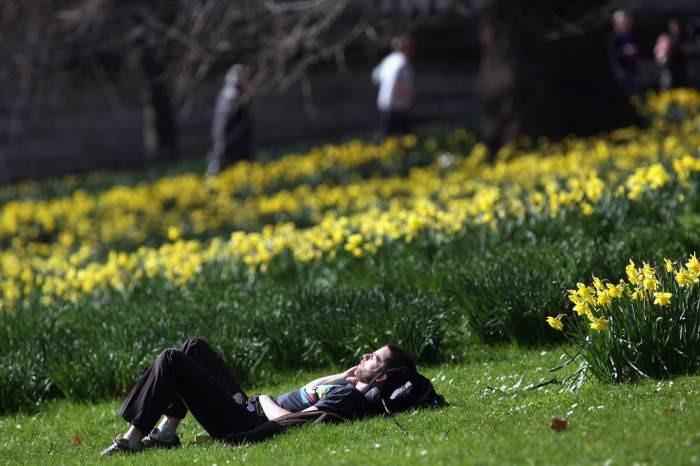 пролет време