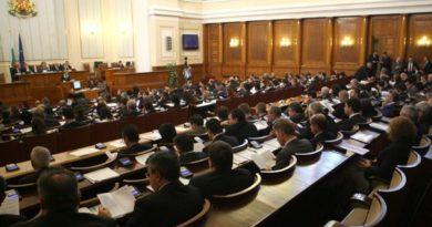 Депутатите разглеждат на второ четене Закона за храните