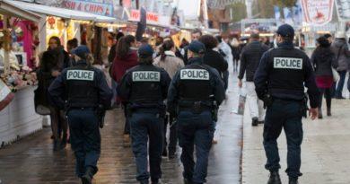 655-402-parizh-policiia