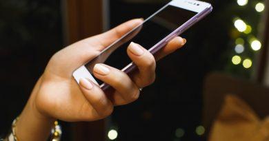Потребителите все по-рядко сменят мобилния си телефон