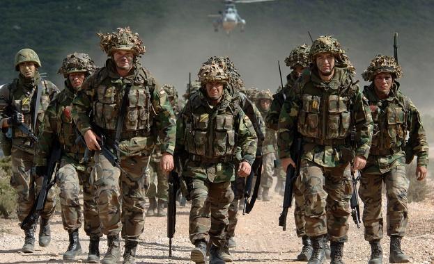 военни-сащ