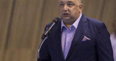 Министър Кралев награди състезателите по ловна стрелба Селин Али и Иван Георгиев за успехите им на Световното първенство
