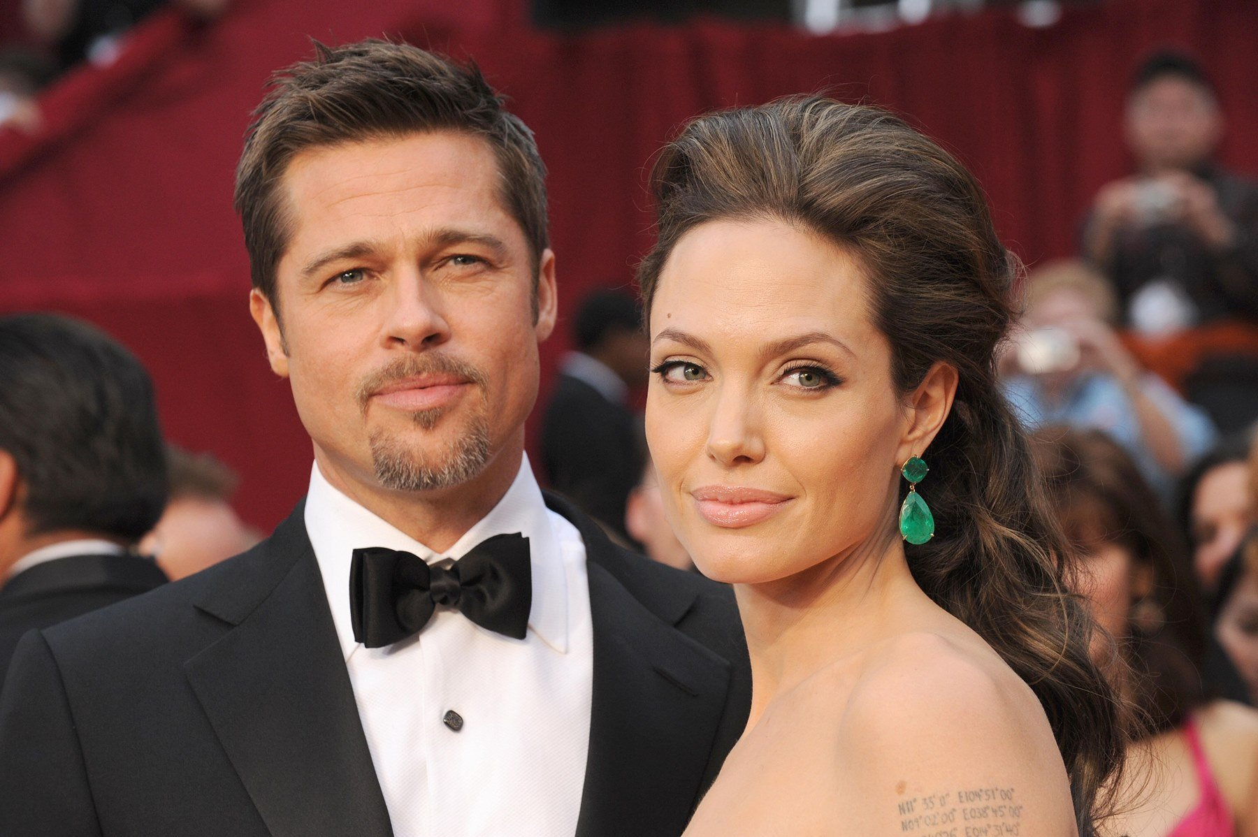 Angelina-Jolie-is-giving-Brad-Pitt-the-wish-of-his