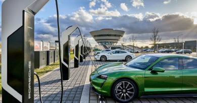 Porsche отваря супер мощна станция за зареждане на електромобили в Лайпциг