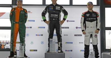 Новият сезон на Carrera Cup започна на Льо Ман
