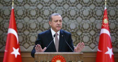 Ердоган е преизбран за лидер на управляващата партия за 6-и път